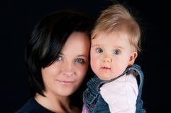 Mutter- und Schätzchentochter lizenzfreie stockfotos