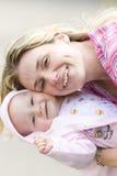 Mutter und Schätzchen Stockfotografie