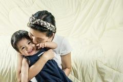 Mutter-und Sohn Backen glücklich Stockbild