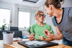 Mutter- und TochterMalleinwand Lizenzfreie Stockbilder