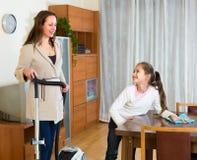 Mutter- und Tochterreinigungshaus Lizenzfreies Stockbild