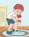Mutter unterrichtet ihr Kind zu gehen Stockbild