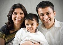 Mutter-, Vater- und Sohnportrait Lizenzfreie Stockfotos