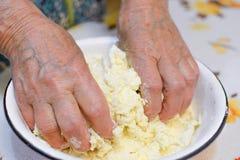 Mutterhände Lizenzfreies Stockbild