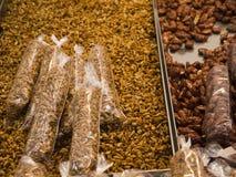 Muttern auf Markt in Benidorm Stockbild