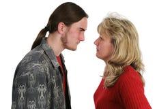 Muttersohn-Konfrontation lizenzfreie stockbilder