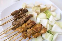 Mutton och feg Satay maträtt royaltyfri bild