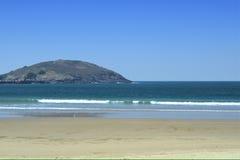Muttonbird-Insel vom Nordwandstrand in Australien Lizenzfreies Stockbild