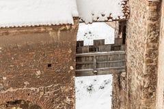 Muur in binnenplaats van Corvin-Kasteel, Roemenië Stock Fotografie