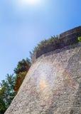 Muur dichtbij hoofdingang aan Stari Grad in Ulcinj Stock Fotografie
