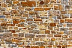 Muur die van natuursteen wordt gebouwd Stock Fotografie