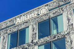 Muur en vensters van het hoofdkwartier van Allianz Suisse Royalty-vrije Stock Foto's