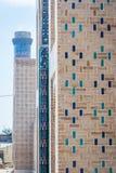 Muur met blauw tegelspatroon Stock Afbeelding