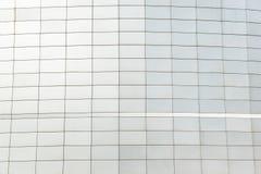 Muur van de zwarte metaal futuristische nieuwe bouw Abstract architecturaal patroon royalty-vrije stock foto's