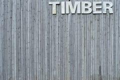 Muur van hout met teken Royalty-vrije Stock Foto's