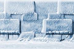 Muur van ijsblokjes als textuur of achtergrond Stock Afbeeldingen