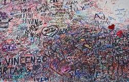 Muur van liefdeberichten in Verona Stock Foto's