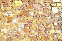 Muur van natuurlijke stenen Stock Afbeeldingen