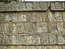 Muur van Schedels een Chichen Itza Yucatan, Messico Royalty-vrije Stock Foto