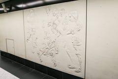 Muur van tegels met hulp en zwart-wit abstract patroon wordt gemaakt dat Royalty-vrije Stock Foto