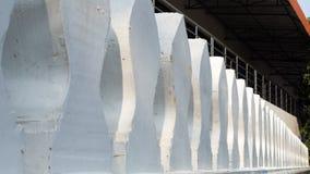 Muur witte Thaise selectieve nadruk stock afbeeldingen