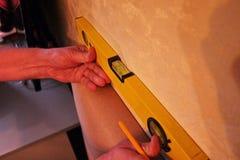 Muurblaker voor flat of hotel Opgezet op de muur Details en close-up stock foto's