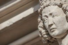 Muurcijfer van koningin bij hoofdfaã§ade van kathedraal in Maagdenburg, stock fotografie