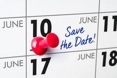 Muurkalender met een rode speld - 10 Juni Stock Afbeelding