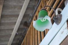 Muurlamp het haging op de houten muur Royalty-vrije Stock Afbeelding