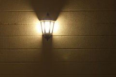 Muurlamp met achtergrond Stock Foto's