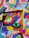 Muurschildering van straatkunst met abstracte die cijfers in Batman-Steeg Sao Paulo worden gevestigd Royalty-vrije Stock Fotografie