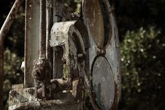 Muy viejo mecanismo ferroviario en Grecia imagenes de archivo