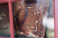 Muy viejo murió la muestra hacia fuera querida detrás de un vidrio foto de archivo