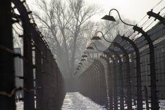Muzealny Auschwitz - holokausta pomnika muzeum Rocznicowy Koncentracyjnego obozu wyzwolenia drut kolczasty wokoło koncentracyjneg zdjęcie royalty free