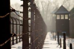 Muzealny Auschwitz - holokausta pomnika muzeum Rocznicowy Koncentracyjnego obozu wyzwolenia drut kolczasty wokoło koncentracyjneg obraz royalty free