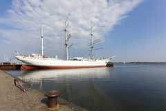 Muzealny statek Gorch Fock przy Stralsund schronieniem Obrazy Royalty Free