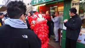 Muziek en Rode Chinese Leeuw stock footage
