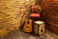 Muziekinstrumenten op stadium Stock Fotografie