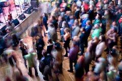 Muziekventilators in de Club stock foto