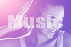 Muziekwoord DJ in Club door Neonlichten wordt verlicht dat royalty-vrije stock fotografie