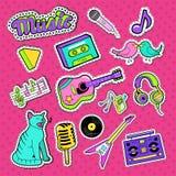Muzikale Stickers, Kentekens en Flarden Muziekinstrumenten en de Elementenkrabbel van de Tienerstijl Royalty-vrije Stock Fotografie