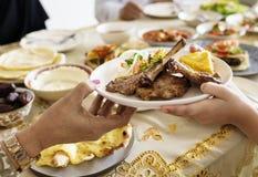 Muzułmańska rodzina ma Ramadan ucztę Zdjęcie Royalty Free