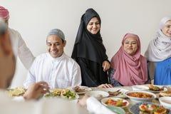 Muzułmańska rodzina ma Ramadan ucztę Obraz Royalty Free
