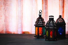 Muzułmańska uczta święty miesiąc Ramadan Kareem Piękny tło z olśniewającym latarniowym Fanus Obrazy Royalty Free
