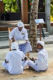 Muzułmański starszy dhivehi ortografii nauczyciel daje lekci jego ucznie zdjęcie royalty free