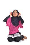 Muzułmański uczeń stresujący się podczas gdy studiujący Obrazy Stock