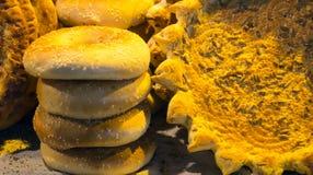 Muzułmańskiej przekąski handmade naan flatbread robić z całą banatką w st Zdjęcia Royalty Free