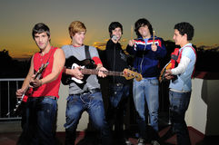 muzycy grup nastolatków. fotografia stock