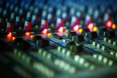 Muzyczny melanżeru wyćwiczenia dźwięk Zdjęcia Royalty Free