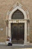 Muzyk przed San Gregorio kościół Obraz Royalty Free